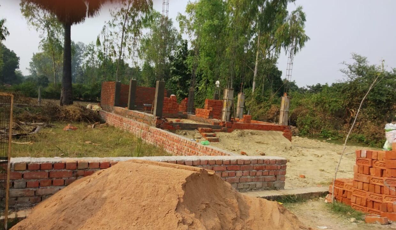 Plot in Lucknow