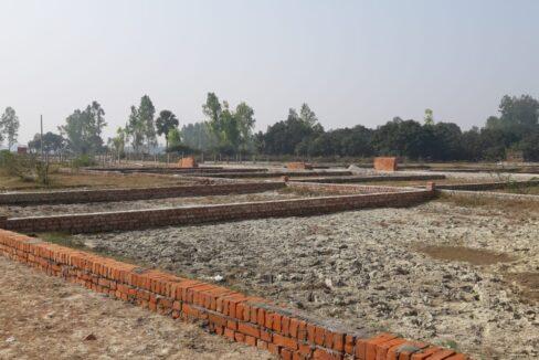 Metro Plots Lucknow Near Amausi 27