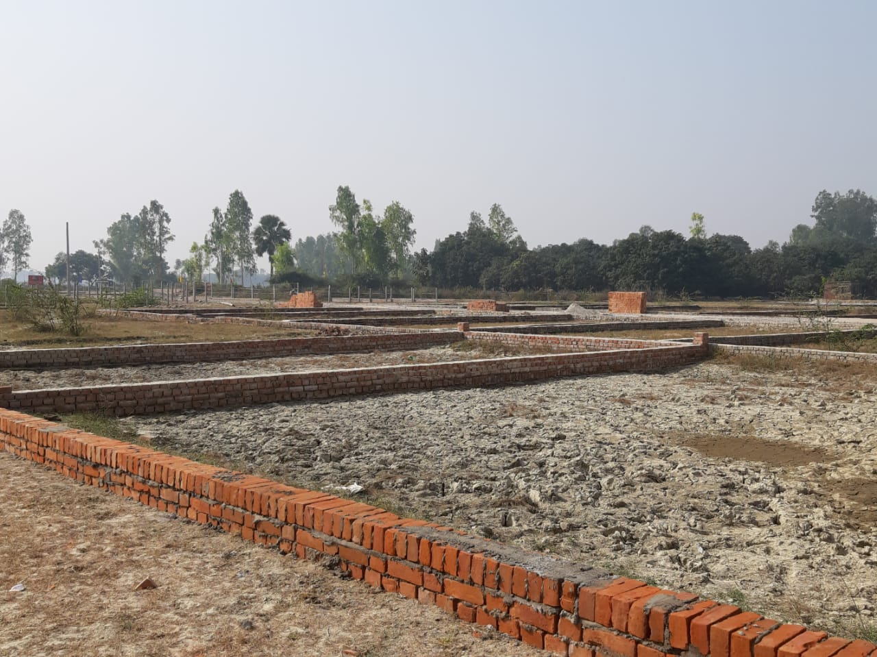 Plot in Lucknow   2000 SQFT