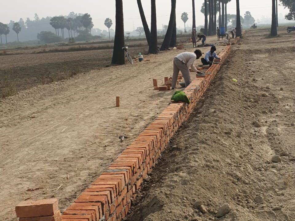 Metro Plots Lucknow Near Amausi (43)